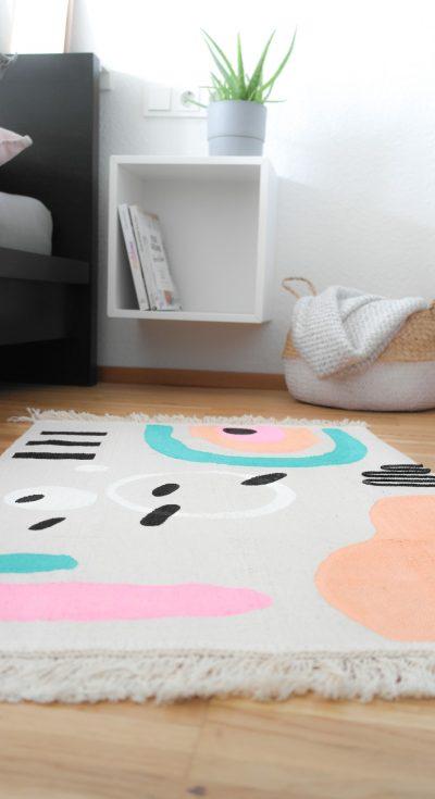 IKEA Hack Teppich bemalt mit Pintor Kreativmarkern von Pilot mit graphischen Mustern bunt