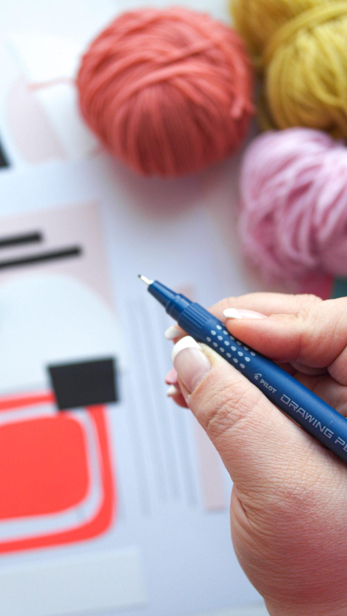 Gestalte dir vorab einen Teppich auf Papier und erstelle dir deine Muster.