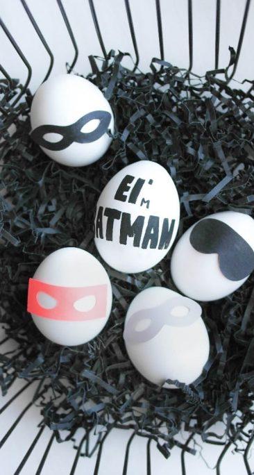 Ostereier ohne Färben mit Superheldenmasken