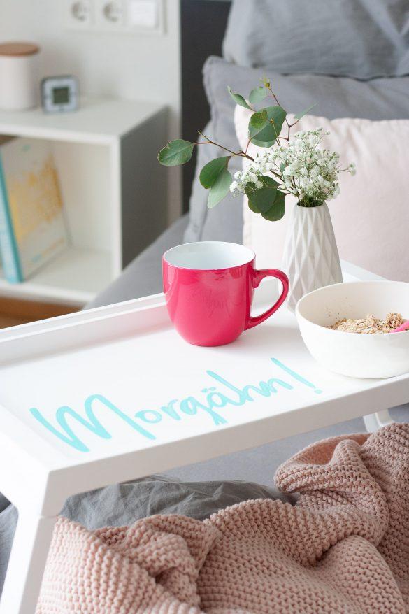 Morgähn Lettering auf IKEA Tablett KLIPSK