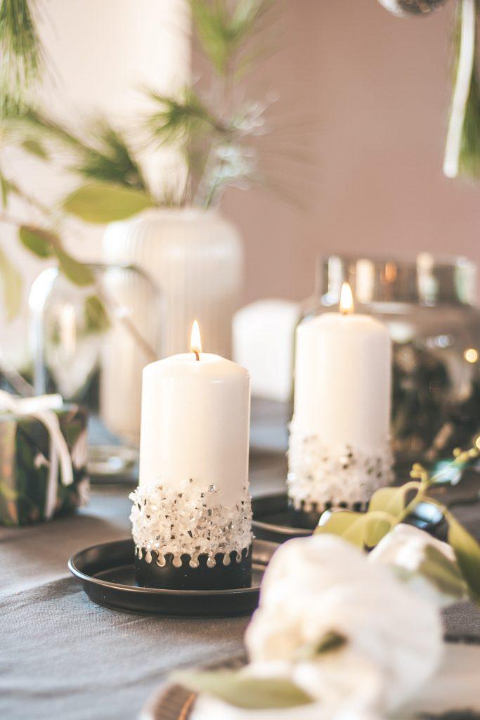 DIY Kerzen mit Glassplittern gestalten