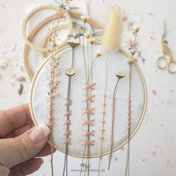Sticken mit Trockenblumen